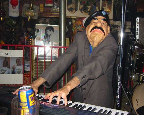 Saddam Hussein plays noise
